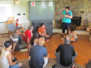 Workshop participants share their experiences as they learn about Highlander's methodologies. Photo by Susan Williams.